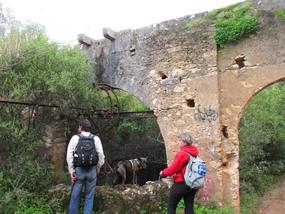 Foto: Aquädukt in der Algarve nahe Bolequeime