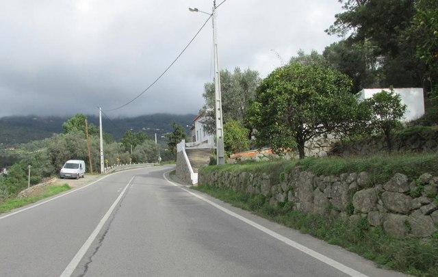 Foto Fahrt zum Treffpunkt, Berge von Monchique in Wolken