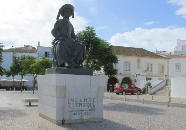 Foto: Denkmal von Heinrich dem Seefahrer in Lagos