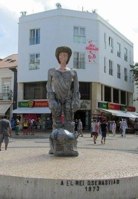 Statue König São Sebastião in Lagos