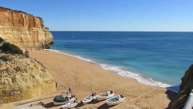 Foto: Klima und Wetter der Algarve, hier im Winter bei Benagil