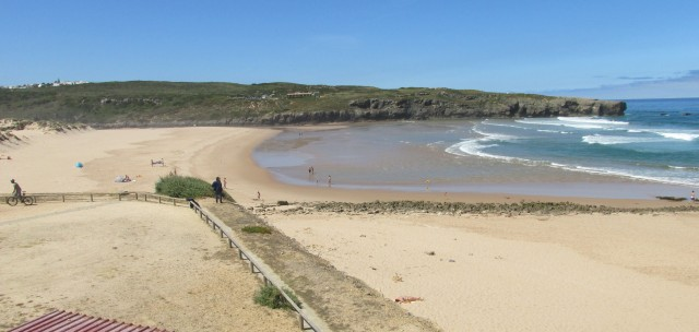Foto: Der Strand bei Aljezur Praia da Amoreira, von Nord nach Süd gesehen