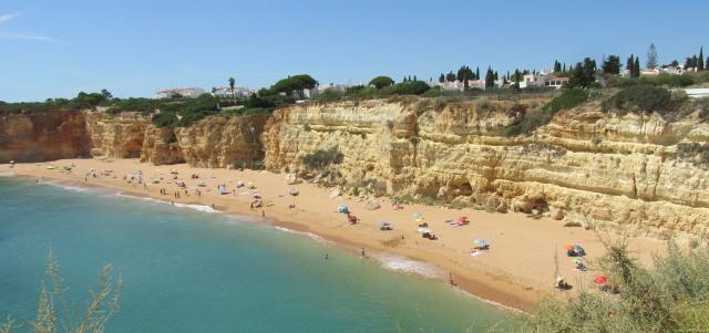 Foto: Strand Praia Nova bei Armação de Pêra