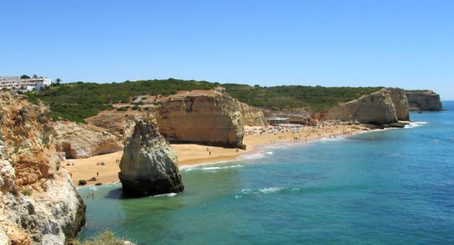 Foto: Ferragudo der Strand Praia dos Caneiros