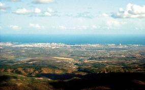 Aussicht auf die Algarve-Küste beim Wandern vom Picota in Monchique