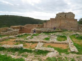 In Inneren der Burg bei Paderne