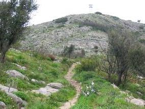 Der Picota-Gipfel beim Wandern im Monchiquegebirge