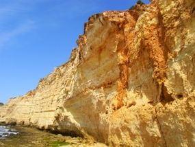 Abbruchkante der Algarve-Steilküste