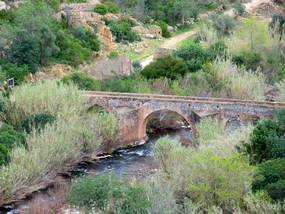 Römische Brücke beim Wandern nördlich von Albufeira
