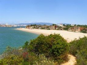 Der Praia Grande nahe Ferragudo